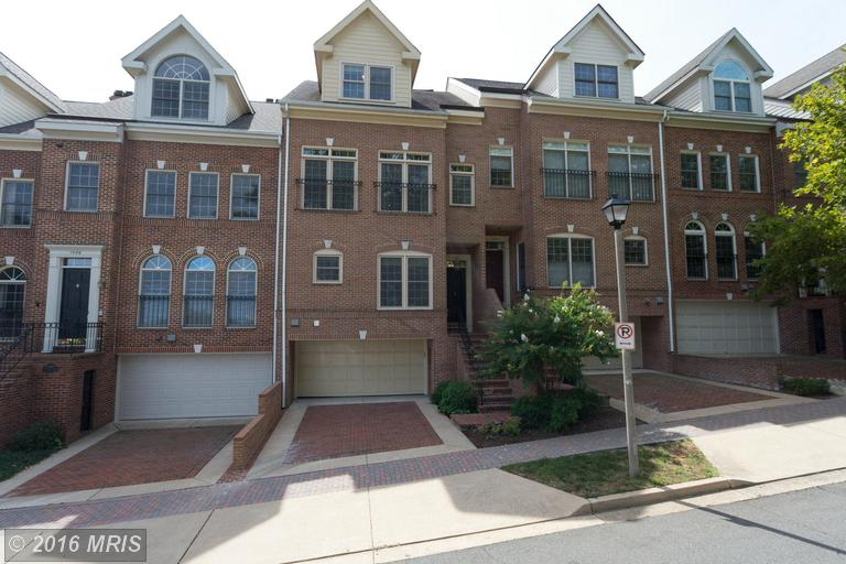 1588 Colonial Ter