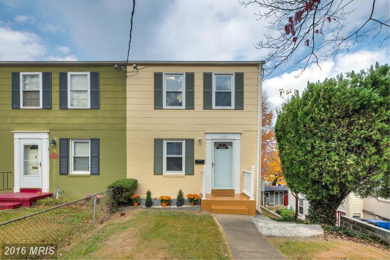 2328 Riverview Ter