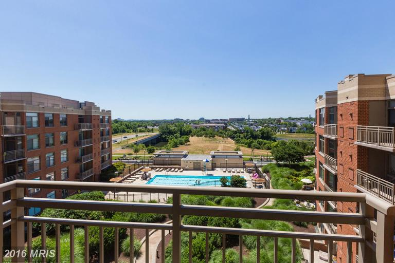high-rise condos at 3650 Glebe Rd #664, Arlington 22202