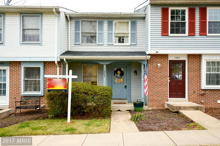 townhouses at 1666 Thenia Pl #2, Woodbridge 22192