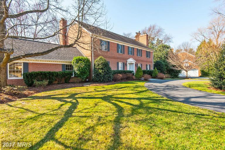 houses at 6351 Lynwood Hill Rd, McLean 22101