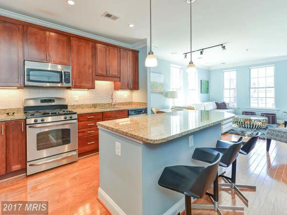 garden-style condos at 1023 Royal St N #301, Alexandria 22314