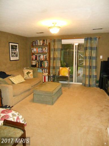 6376 Chimney Wood Ct, Alexandria, VA 22306