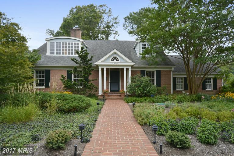 brick home in Arlington