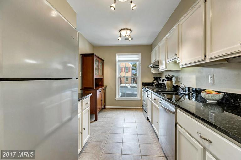 townhouses at 426 Glebe Rd W, Alexandria 22305