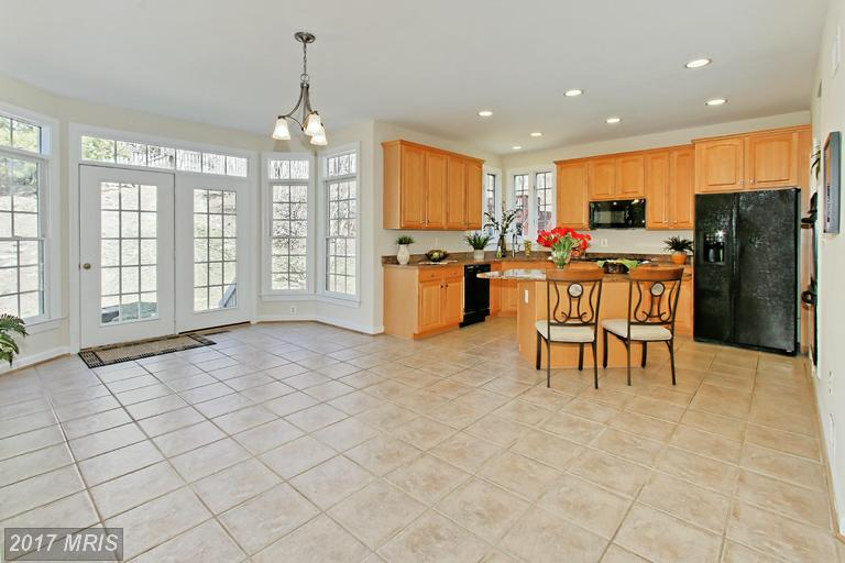 7548 Laurel Creek Ln, Springfield, VA 22150