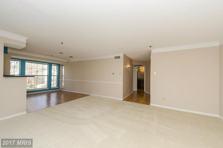 1524 Lincoln Way #206
