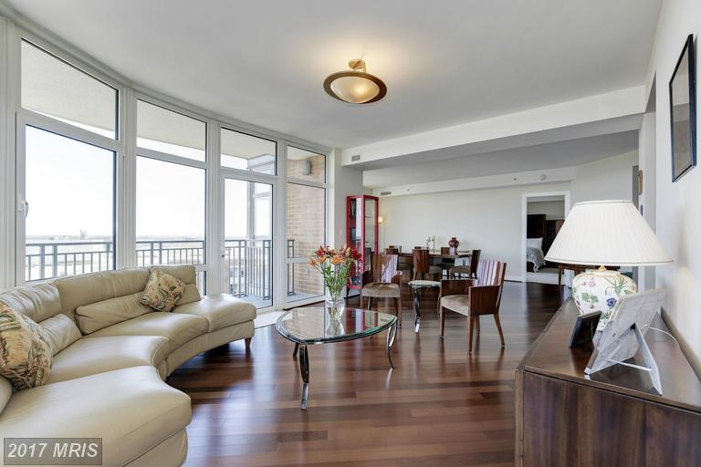 high-rise condos at 8220 Crestwood Heights Dr #916, McLean 22102