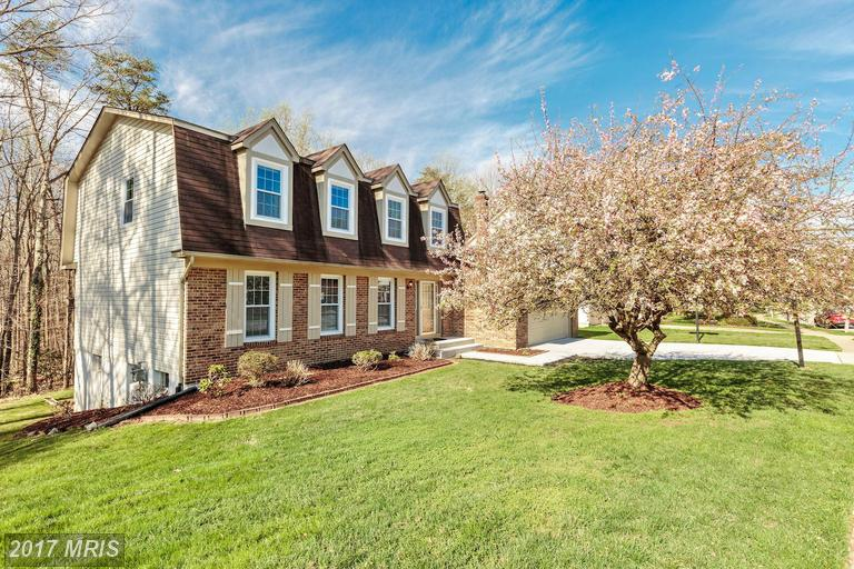 9521 Waterline Dr, Burke, VA 22015
