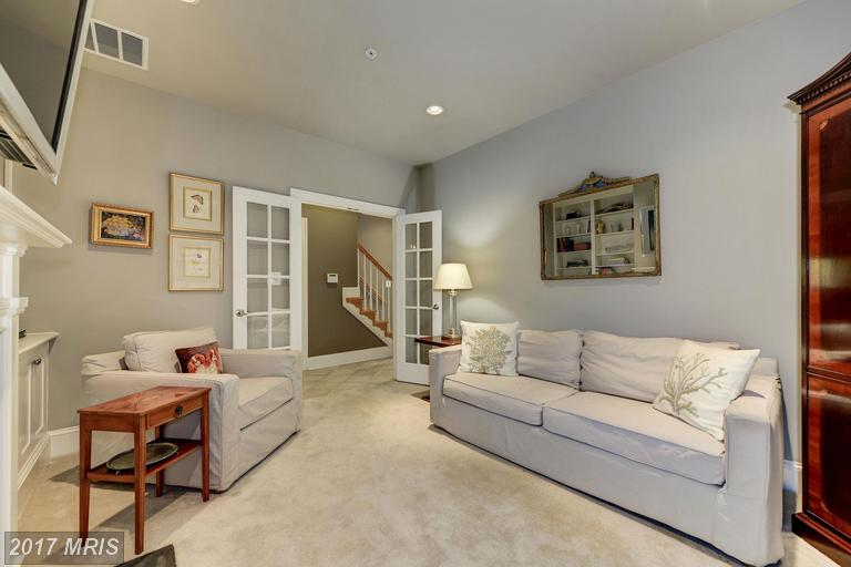 1820 Carpenter Rd, Alexandria, VA 22314