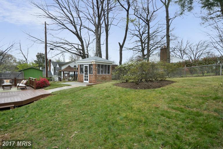 3915 Cameron Mills Rd, Alexandria, VA 22305