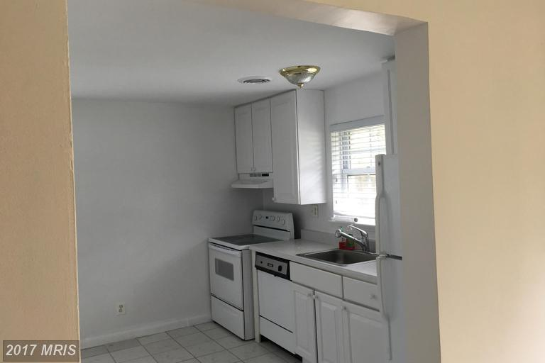 houses at 6104 Brookland Rd, Alexandria 22310
