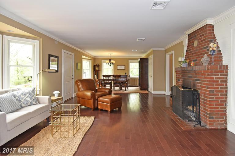 7104 Triad Way, Springfield, VA 22151