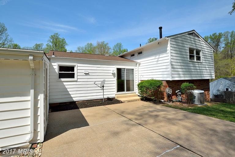 6617 Holford Ln, Springfield, VA 22152