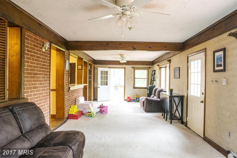 houses at 7729 Ogden Ct, Falls Church 22043