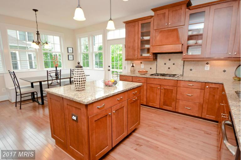4098 Orchard Dr, Fairfax, VA 22032