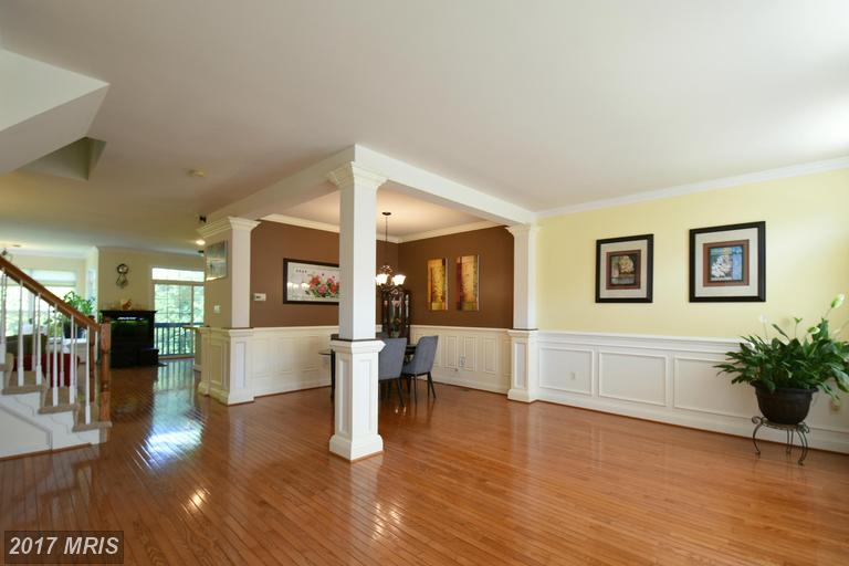 7327 Hampton Manor Pl, Springfield, VA 22150