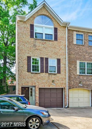 4858 10th St S, Arlington, VA 22204