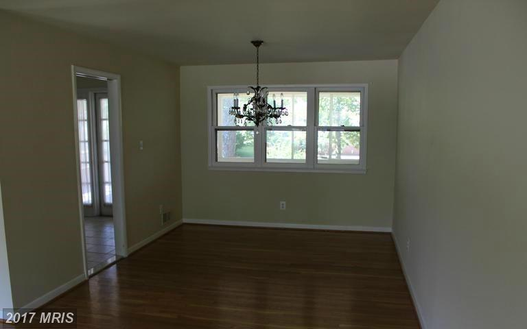 houses at 6447 Dryden Dr, McLean 22101