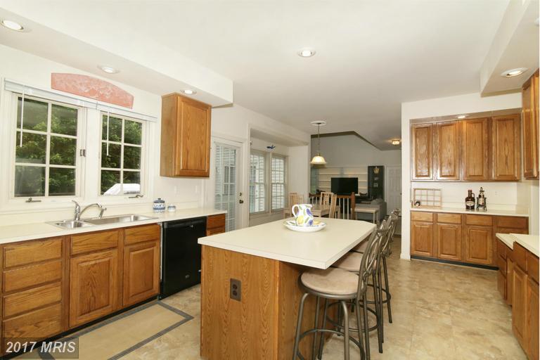 houses at 5483 Ashleigh Rd, Fairfax 22030