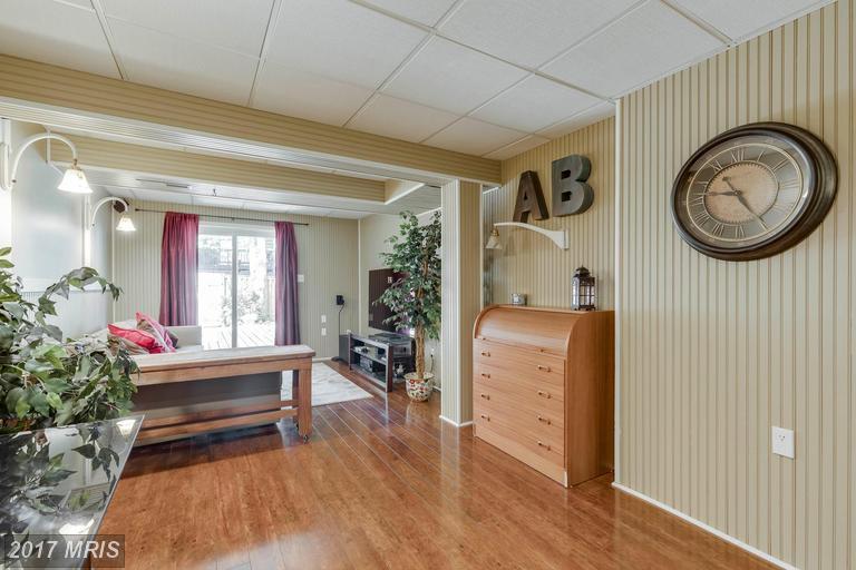 5830 Apple Wood Ln, Burke, VA 22015