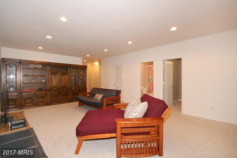 townhouses at 4339 Delegate Ct, Fairfax 22030