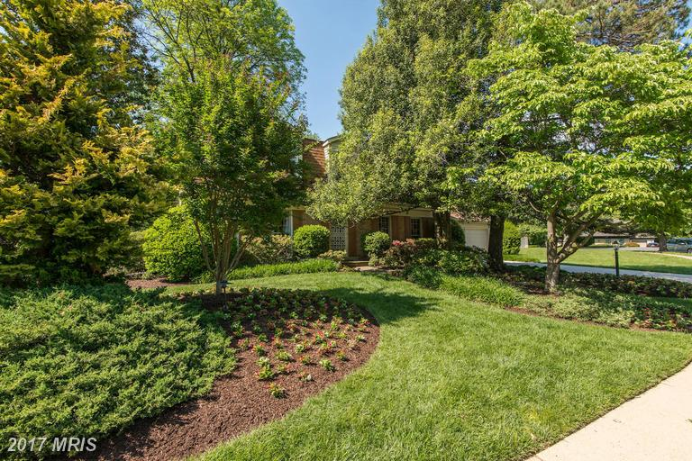 houses at 1723 Chesterford Way, McLean 22101