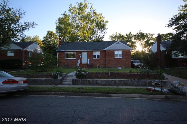 5910 Dinwiddie St, Springfield, VA 22150