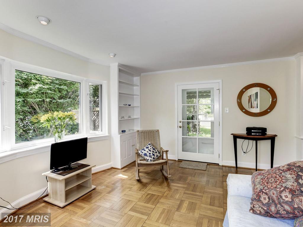houses at 4781 Williamsburg Blvd, Arlington 22207