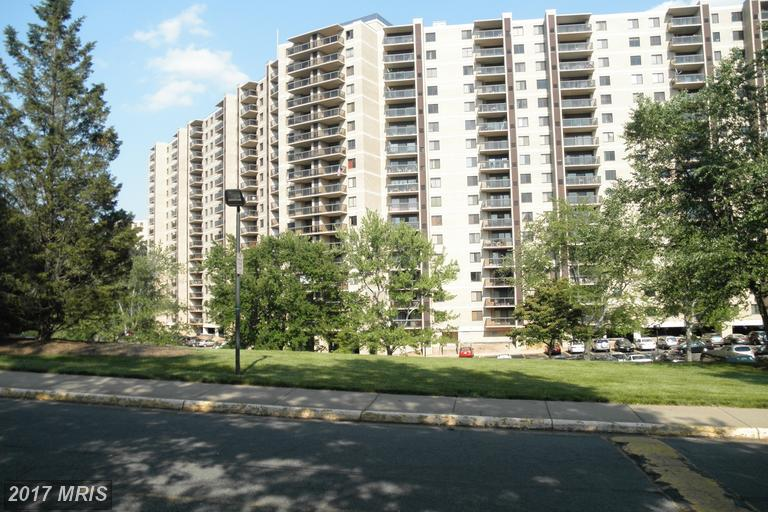 Photo of 205 Yoakum Pkwy #1705