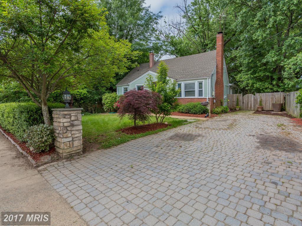 houses at 3318 Slade Run Dr, Falls Church 22042