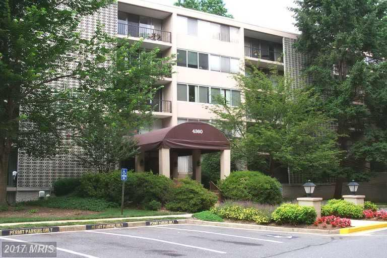 mid-rise condos at 4360 Ivymount Ct #38, Annandale 22003