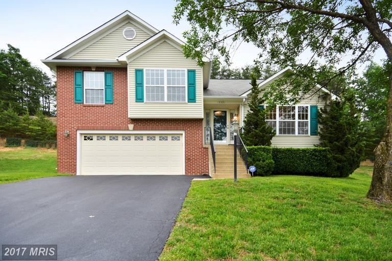 15591 Andover Heights Dr, Woodbridge, VA 22193