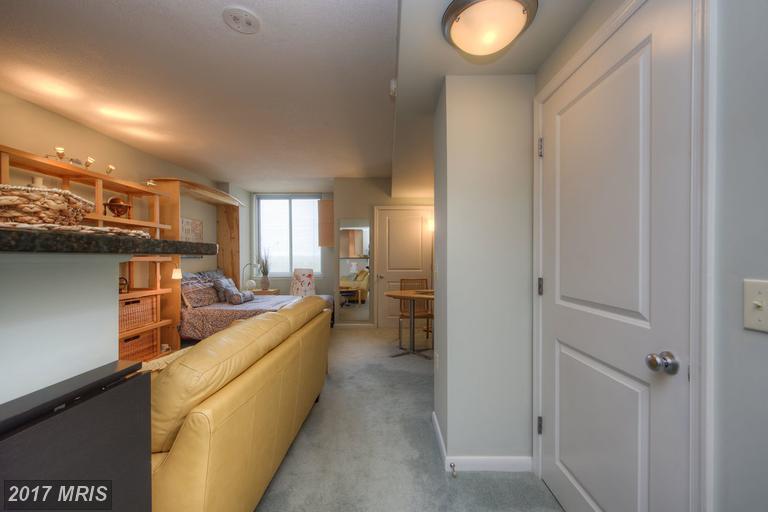 high-rise condos at 851 Glebe Rd #1713, Arlington 22203