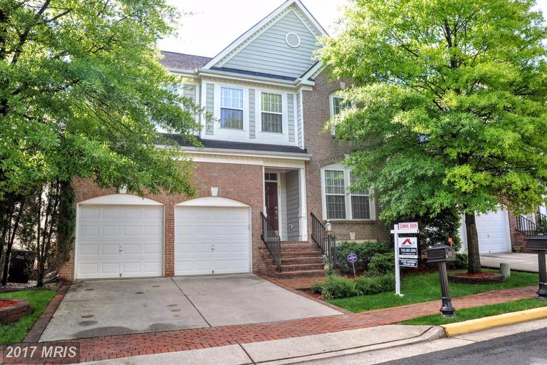 4181 Whitlow Pl, Chantilly, VA 20151