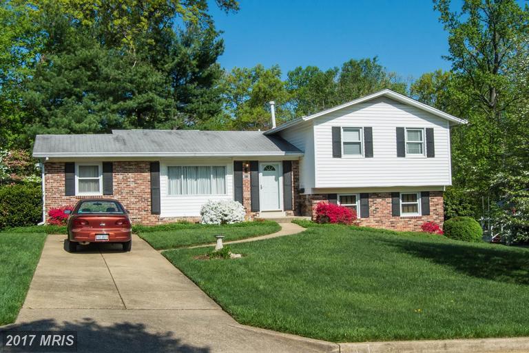 houses at 6118 Rockglen Dr, Springfield 22152