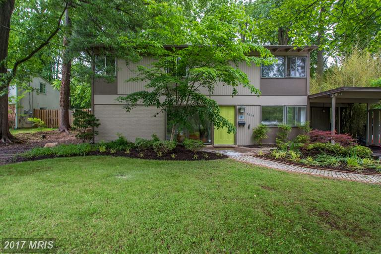 3319 Brandy Ct, Falls Church, VA 22042