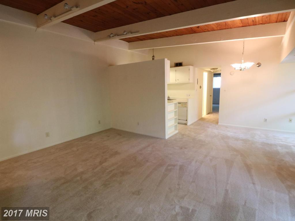 garden-style condos at 7753 Donnybrook Ct #202, Annandale 22003