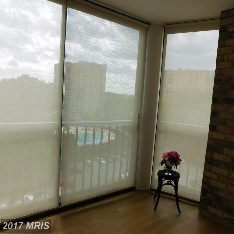 high-rise condos at 5903 Mount Eagle Dr #1009, Alexandria 22303