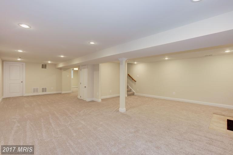 houses at 6612 Rockmont Ct, Falls Church 22043