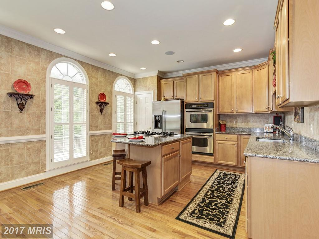 Gorgeous 2600+ SF Luxury Townhouse in Ridges of Edsall with Refined Custom Amenities Throughout thumbnail
