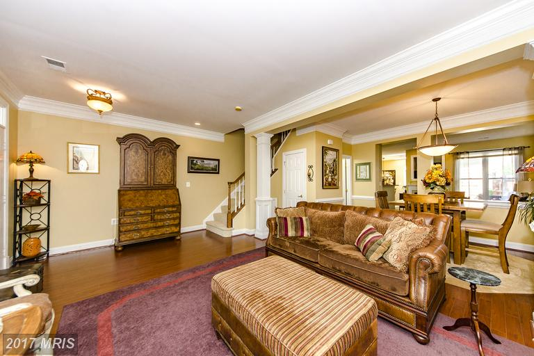 townhouses at 405 Hillwood Ave, Falls Church 22046