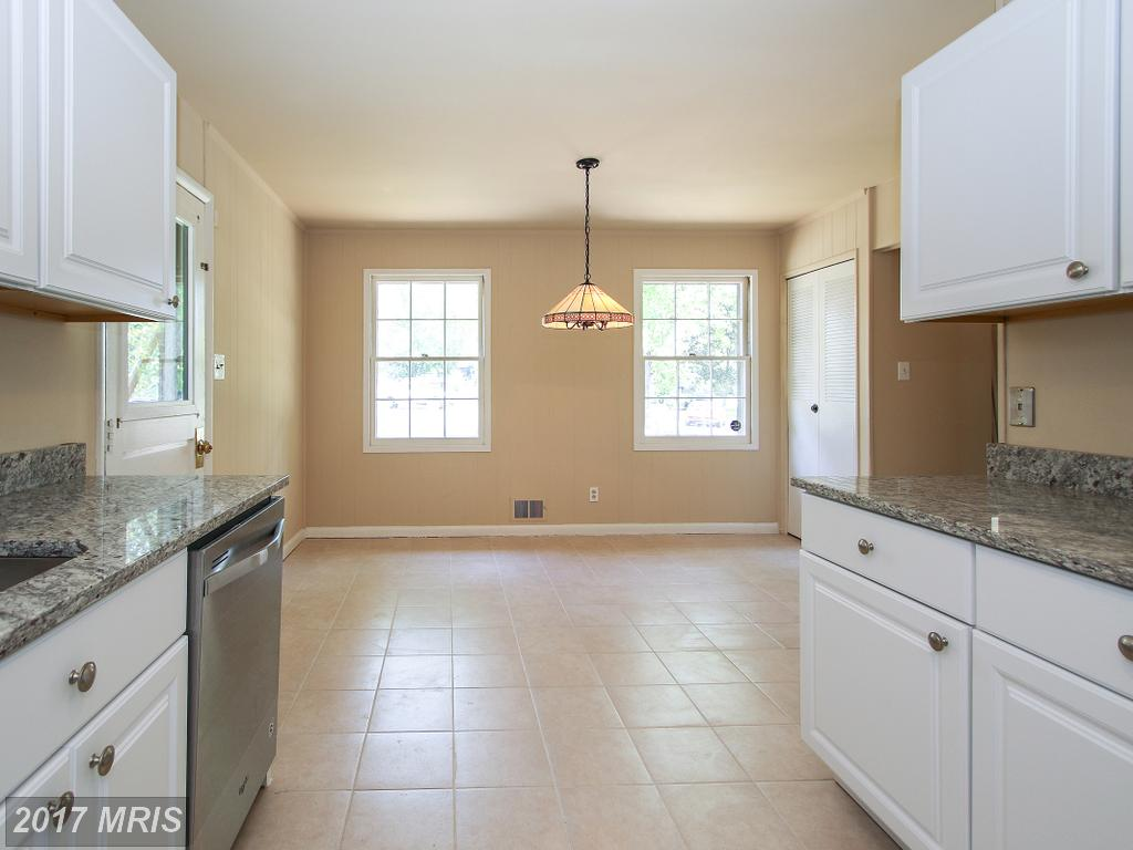 8202 Oxbow Ct, Alexandria 22308