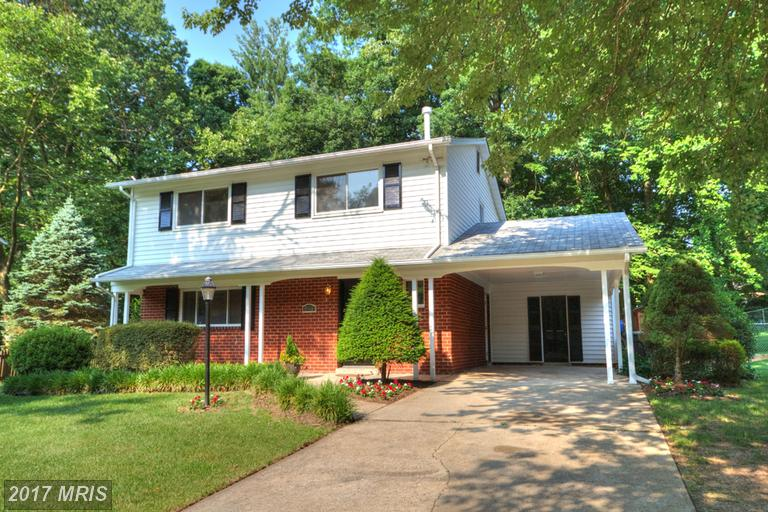 Totally Renovated Colonial Home at Kings Park in Springfield thumbnail