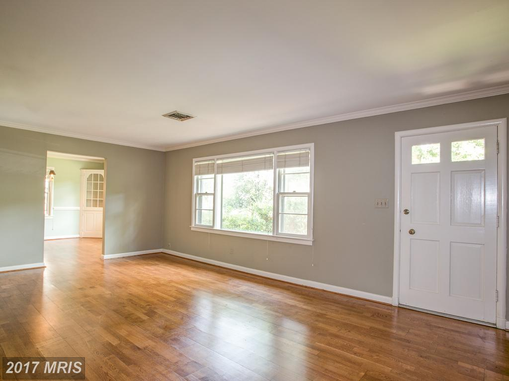4142 Orchard Dr, Fairfax, VA 22032