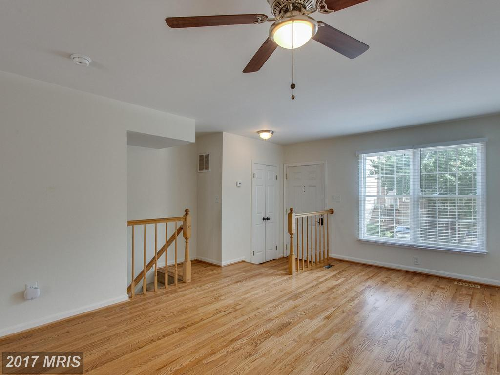 3007 Kings Village Rd, Alexandria, VA 22306