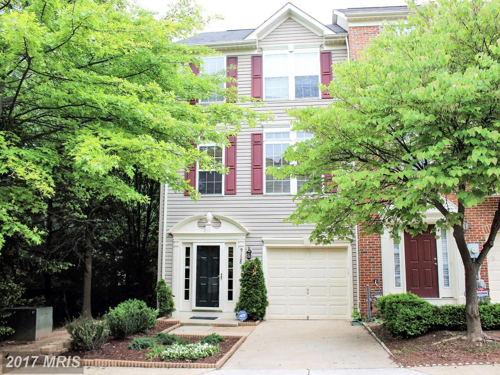 Fabulous End unit with garage sides to trees! 4 levels with huge loft at Laurel Crest in Lorton thumbnail
