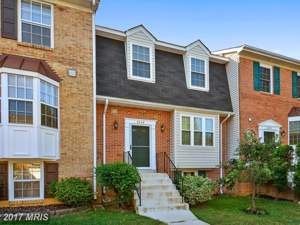 Meticulously Maintained Townhouse From Village Of Mount Air In Lorton thumbnail