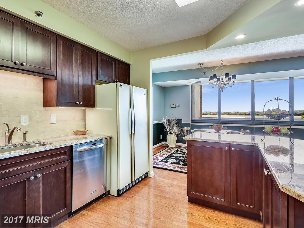 1805 Crystal Dr #908s