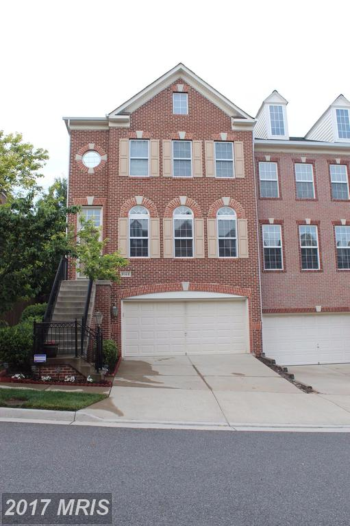 Luxury End Townhouse with many upgrades at Laurel Highlands In Lorton thumbnail